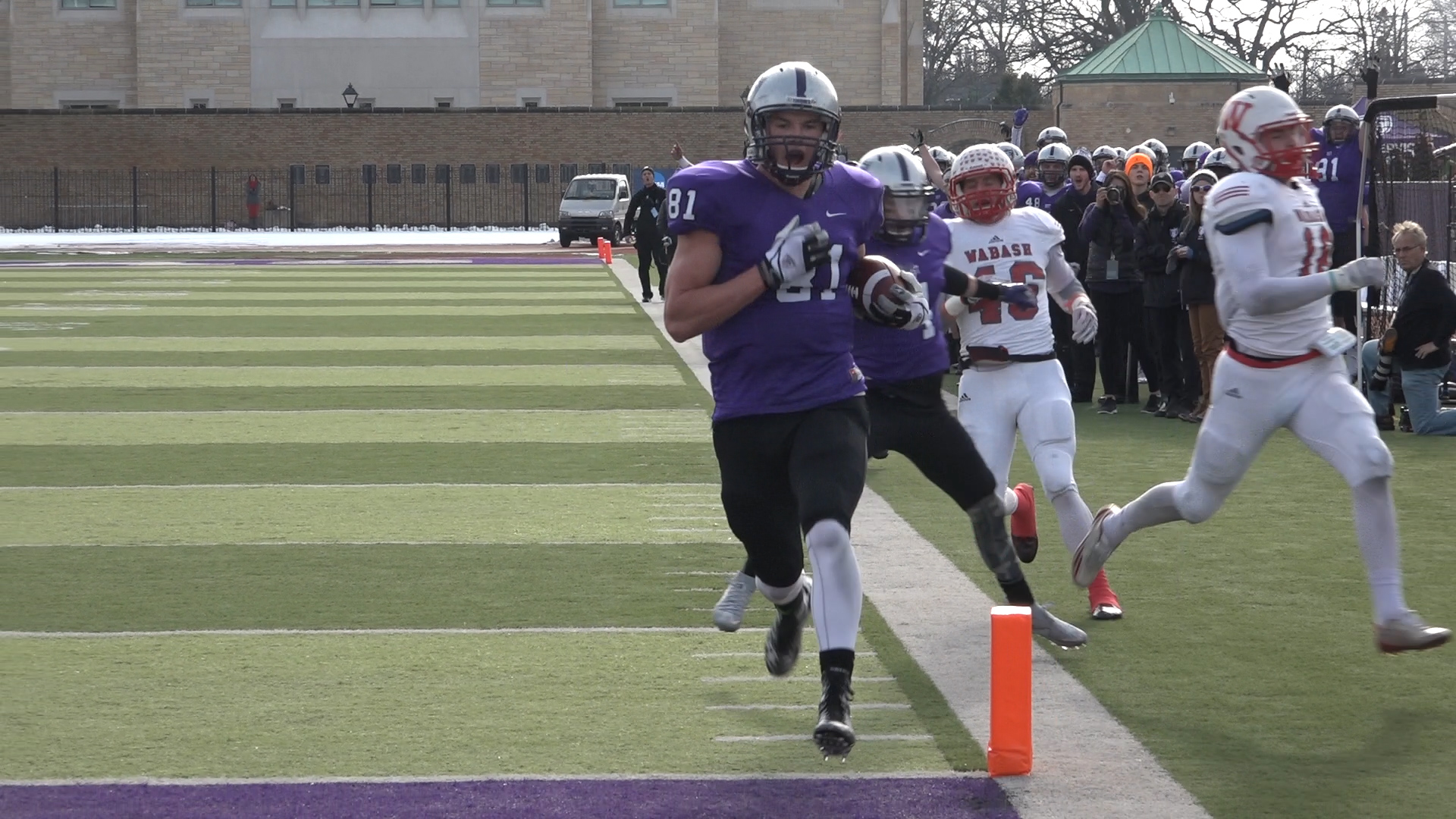 Video: Tommies whip Wabash, advance to semifinals