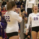 The Tommies celebrate after a point. St. Thomas snapped a two-game losing streak with a 3-0 win over Hamline Wednesday at Schoenecker Arena. (Tom Pitzen/TommieMedia)