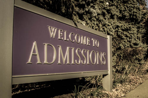 As St. Thomas applications increase, deadlines change