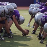 Tommies face off against each other on Schoenecker Field for a drill. (Lauren Andrego/TommieMedia)