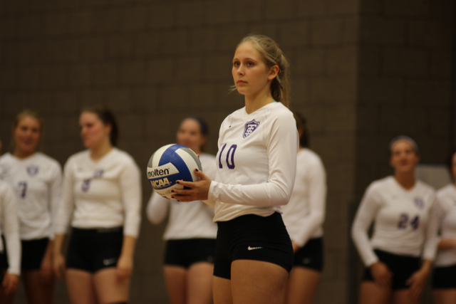 Women's volleyball to face competitive roster cuts