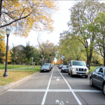 Cars drive along the busy Summit Avenue. There has been a recent spike in motor vehicle thefts since the beginning of the school year. (Danielle Wong/TommieMedia)