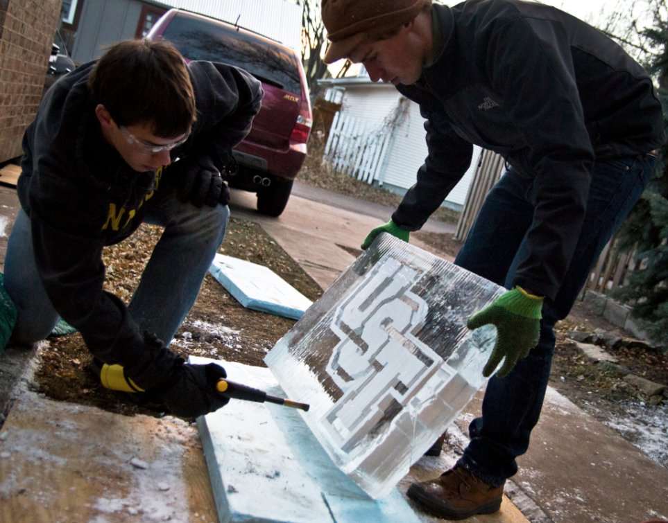 Ice carving combines students' talents