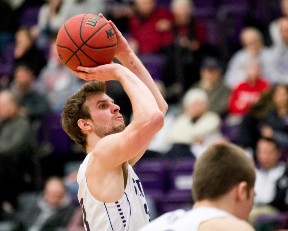 Tommies force 24 turnovers on way to 23-point victory