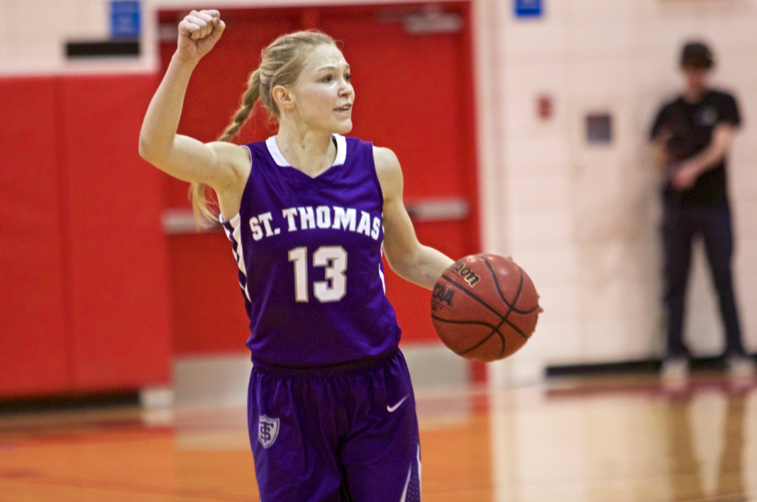Tommie women edge Loras in NCAA first round