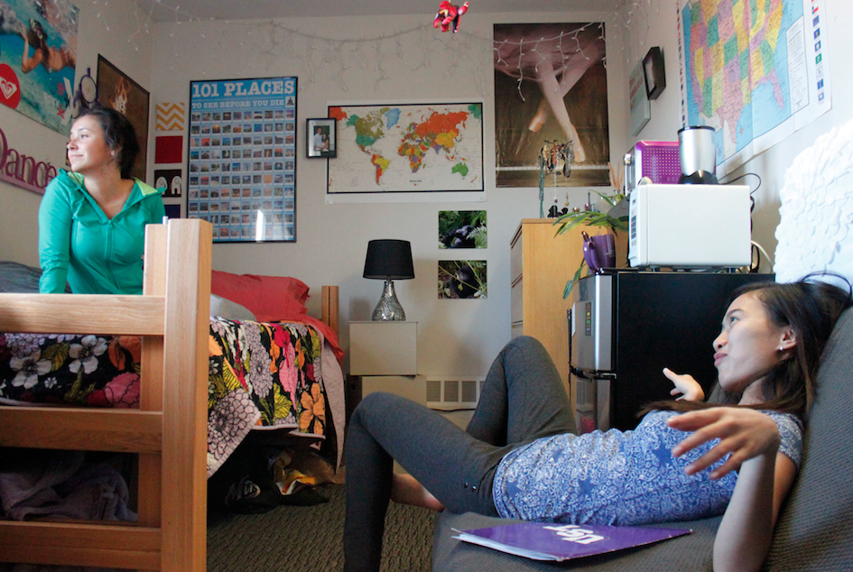 Students spice up dorm rooms on campus