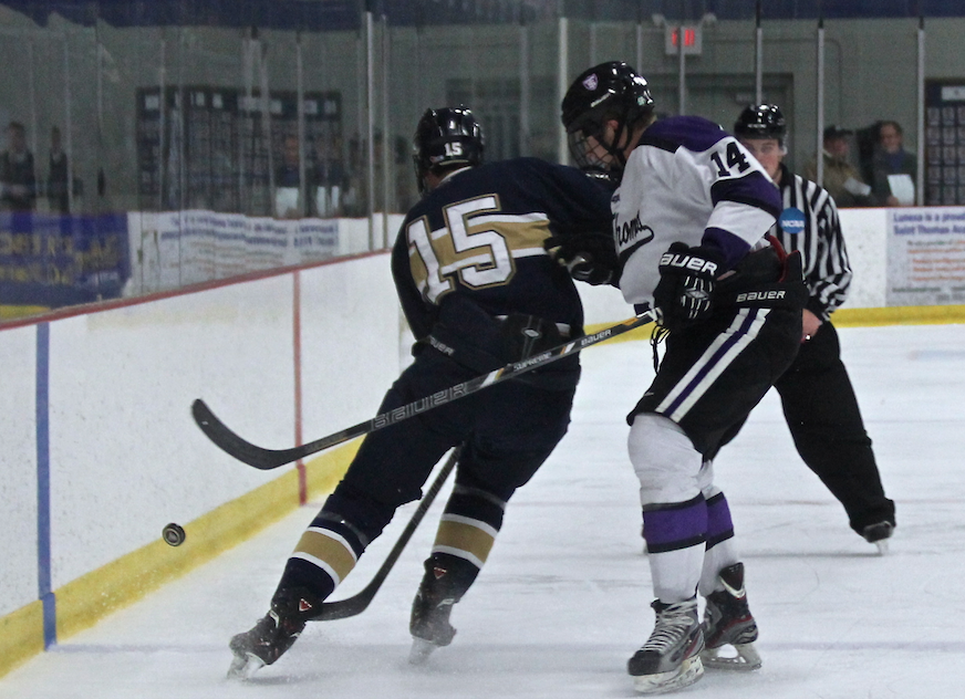 Men's hockey claims victory over Blugolds