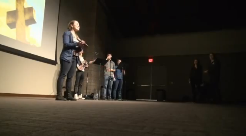 Tommies come together through praise and worship