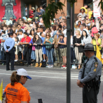 Crowds lined the street in Philadelphia Saturday in hopes of glimpsing Pope Francis. St. Thomas and St. Catherine students will face similar crowds tomorrow while attending the papal Mass. (Grace Pastoor/TommieMedia)