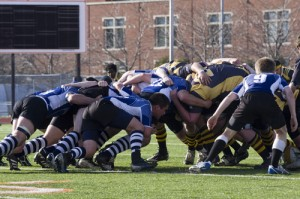 The Blue Ox battle for position April 10 in the Macalester Cup. (Aaron Hays/TommieMedia)