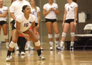 <p>Senior Kia Johnson waits for a pass on a serve receive. The Tommies went on to sweep the Cobbers in three matches. (Sean Crotty/TommieMedia)</p>