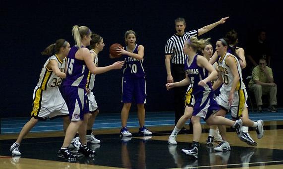 The women's basketball team ended the regular season with a record of 21-8. (Meg Tvrdik/TommieMedia)